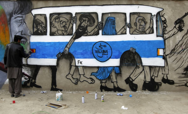 bus_kabul_graffiti