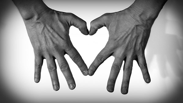 two-hands-one-heart
