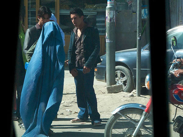 two-men-one-woman-kabul