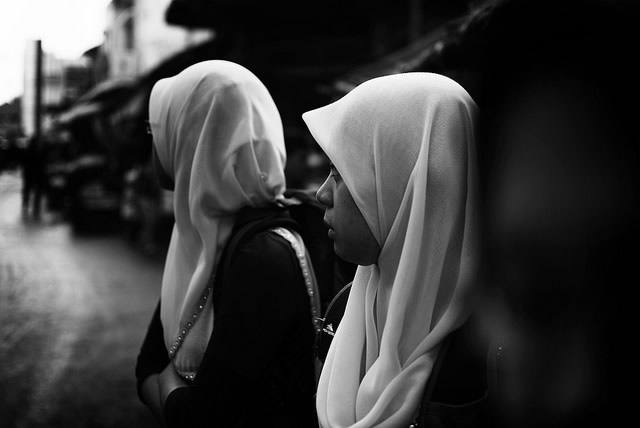 two-girls-in-hijabs-b&w