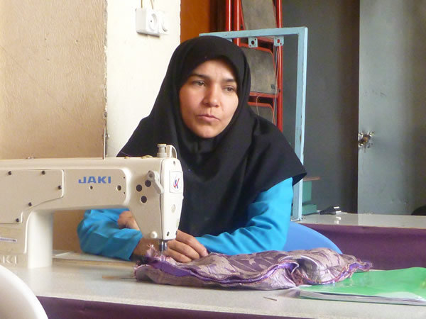 Zahera is one of the student of curtain Sewing