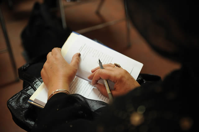 woman-taking-notes